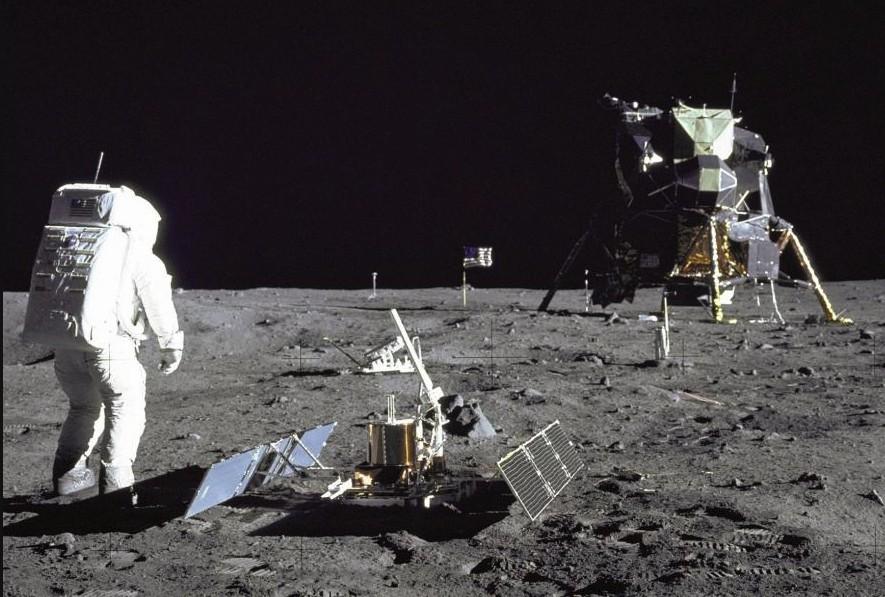 Прогулка по луне - Аполлон 11