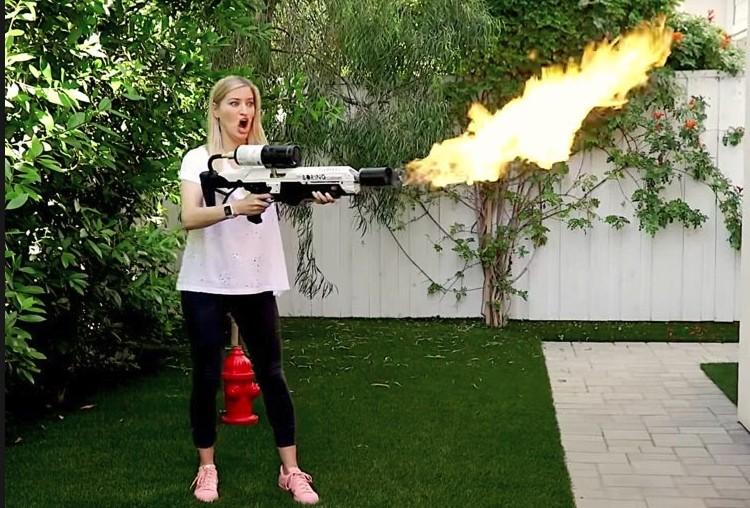 Огнемет Илона Маска опасная игрушка