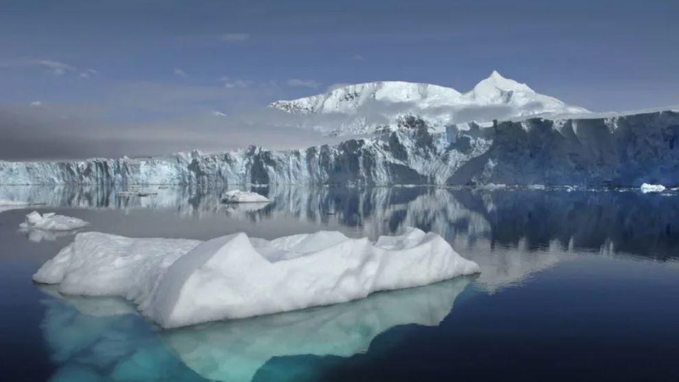 Антарктический полюс - ледники начали таять